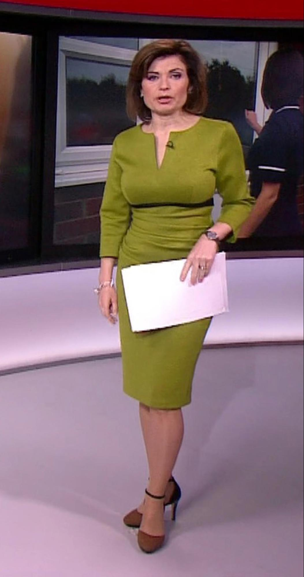 BBC News 1 o'clock newsreader Jane Hill wore a body contouring illusion dress with a black line under the chest to enhance her natural figure. Credit: pixel 8000